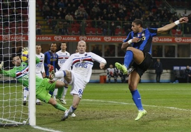 Adriano scores the winning goal