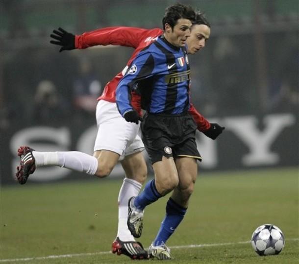 Zanetti keeps Berbatov at bay