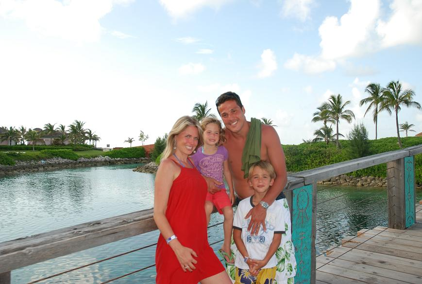 Julio Cesar and family - aren\'t they cute?