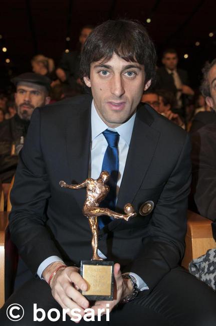 Milito wins an oscar del calcio 2009