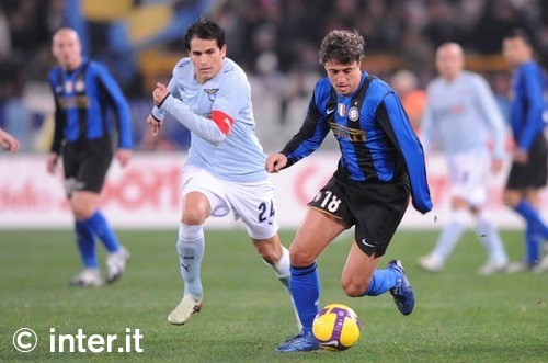 Crespo takes on Lazio December 2008