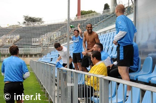 A shirtless moment during pre-Coppa final training