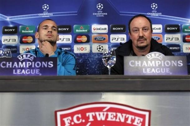 Rafael Benitez and Wesley Sneijder pre Twente