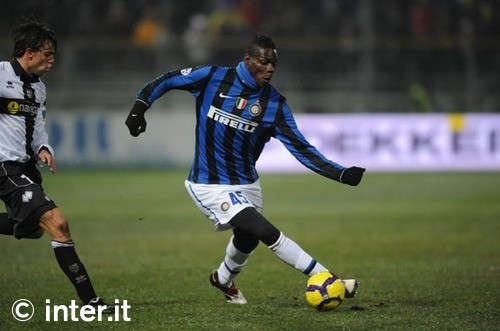 Balotelli earns Inter a draw at Parma