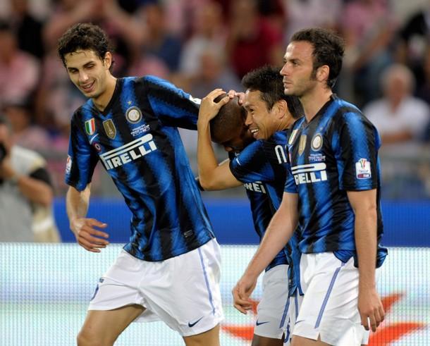 Ranocchia, Yuto, and Pazzini celebrate with Eto'o