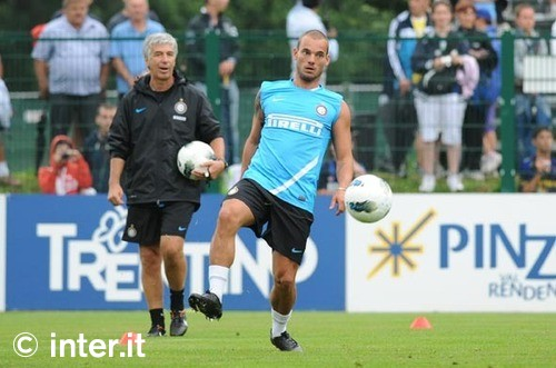 Sneijder training