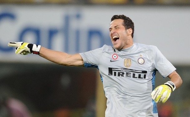 Julio Cesar celebrates Lucio's goal at Bologna