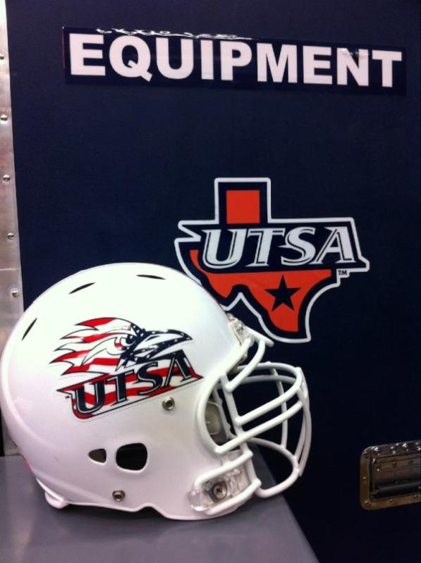 Usta-patriotic-helmets_medium