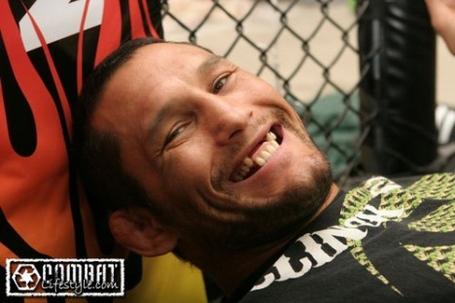 Dan-henderson-teeth-468x312_medium