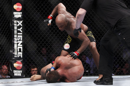 125_anderson_silva_vs_stephan_bonnar