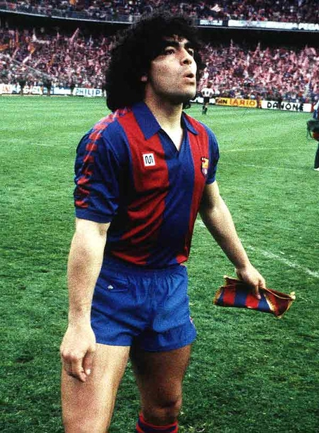 Maradonabarcelona_medium
