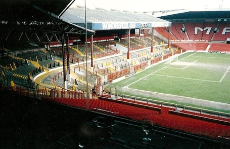 800px-stretford_end_1992_jpg_medium