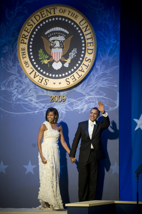 Obamas_at_cinc_27s_ball_1-20-09_hires_090120-n-0696m-795_medium
