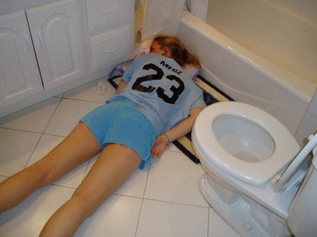 http://cdn1.sbnation.com/imported_assets/130693/drunk-girls-01.jpg