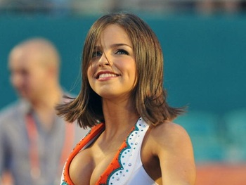 Dolphins-cheerleader-1_display_image_medium