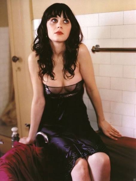 Zooey_deschanel_askmen_s_most_desirable_women_of_2013_thechive_mfcb2icm