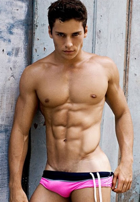 Male-model-renato-ferreira-male-models-28188057-560-809_medium