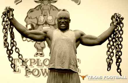 Brian-orakpo-is-strong_medium