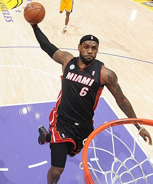 Lebron-james-dunk-contest1_medium
