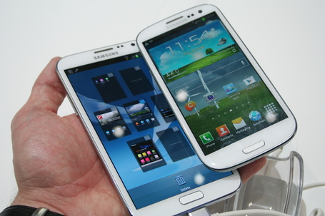 Samsung-galaxy-note-2-vs-s3-1_medium