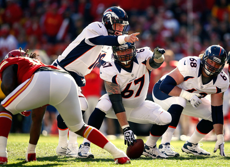 Dan_koppen_denver_broncos_v_kansas_city_chiefs_haq0fcb157ox_medium