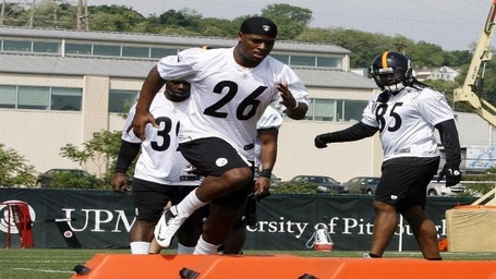 Pittsburgh-steelers-leveon-bell-mini-camp_medium