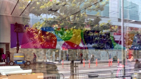 Apple-setting-up-for-wwdc-2013_medium