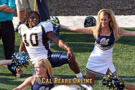 Cal_20bears_20rb_20marshawn_20lynch_20dances_20with_20cal_20cheerleaders