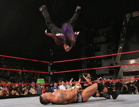 Jeff-hardy-signature-move-swanton-bomb_medium