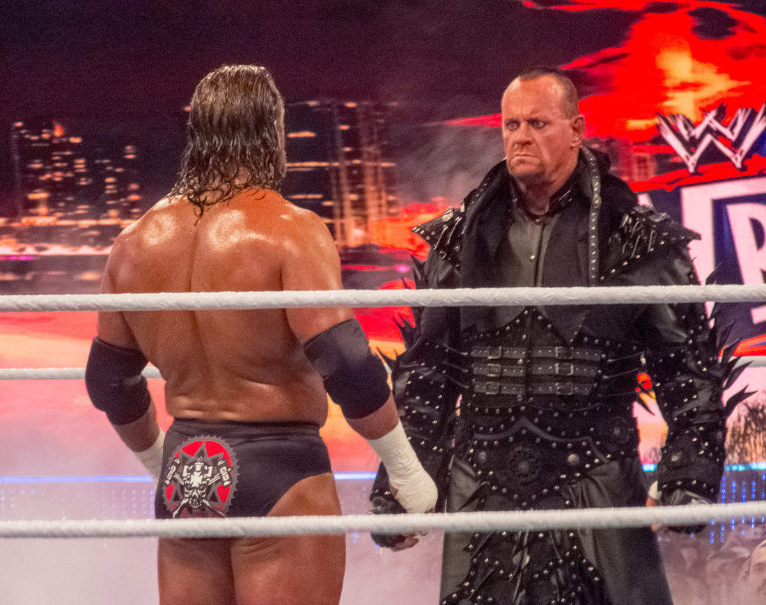 Wrestlemania_28_undertaker_vs_hhh