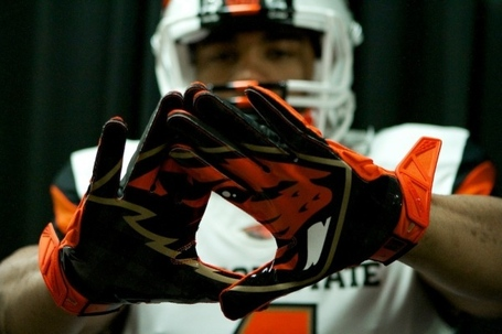 New-oregon-state-football-uniforms-3_medium