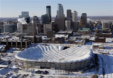 Aptopix_winter_storm_metrodome_collapse_sff_s640x445_medium