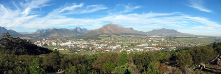 Stellenbosch_from_papagaaiberg_medium