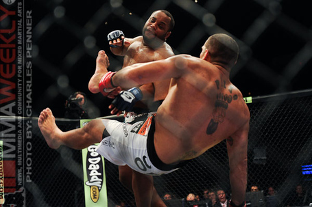 Silva-cormier-strikeforce-0911-4315_medium