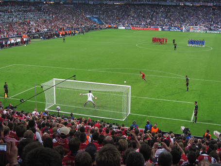 Penalty_kick_lahm_cech_champions_league_final_2012_medium