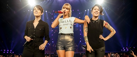 Tegan-and-sara-taylor-swift-red-tour-990-410_medium