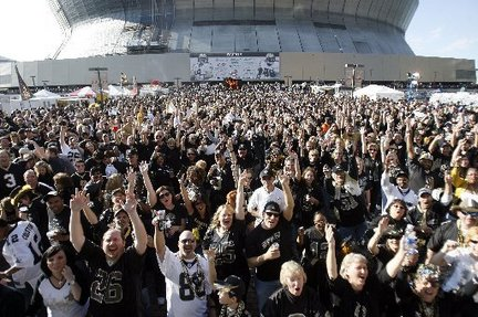 Saints-fans-domejpg-b5a1031b995a9383_large_medium