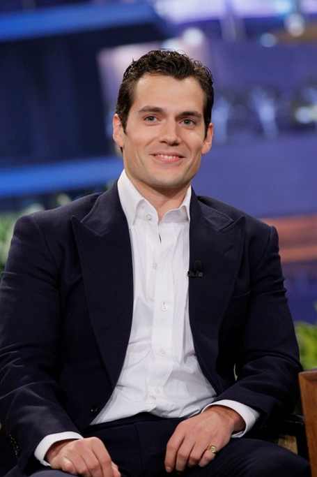 Henry-cavill-superman-07jun13-01_medium