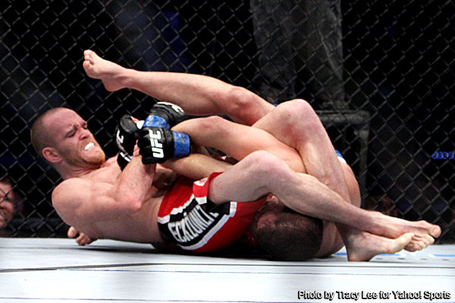Grant_wins_in_controversy_easton_wins_debut_at_ufc_on_vs__medium
