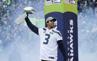 Seahawks_parade_football_35637279_jpg_medium