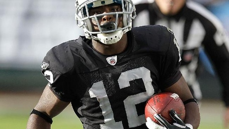 Jacoby_ford_wide_receiver_oakland_raiders_real_fantasy_football_player_injury_statistical_analysis_nfl_team_injuries_statistics_2012_era_stats_ap_photo_aol-sporting-news_medium