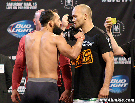 Johny-hendricks-robbie-lawler-ufc-1711_medium