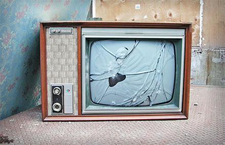 Broken_television_medium