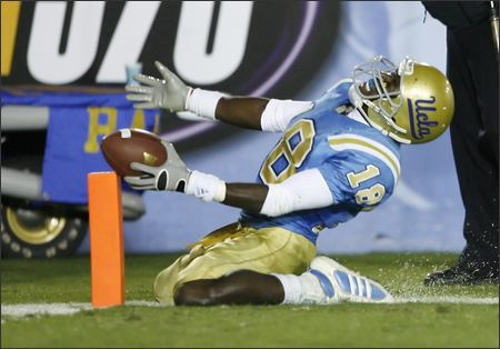 450washington_ucla_football_cagr113_855030622092007_medium
