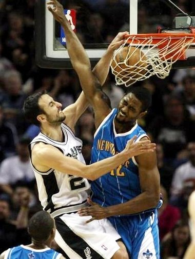 Manu-dunks-on-hilton-armstrong_medium