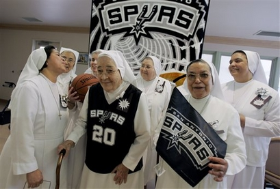 Spurs-nuns_medium