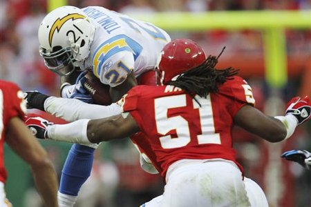 53919_chargers_chiefs_football_medium