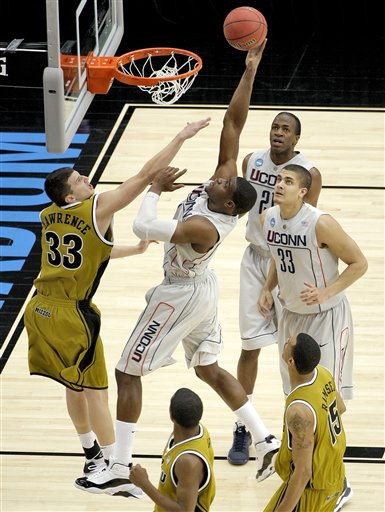 NCAA Missouri Connecticut Basketball