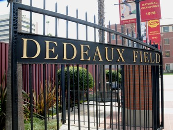 University-of-southern-california-stadiums-dedeaux-field-dedeaux-field-gate-usc-s-ddf-00001lg_medium