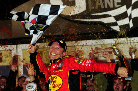 2010_20daytona_20500_20jamie_20mcmurray_20in_20victory_20lane_medium